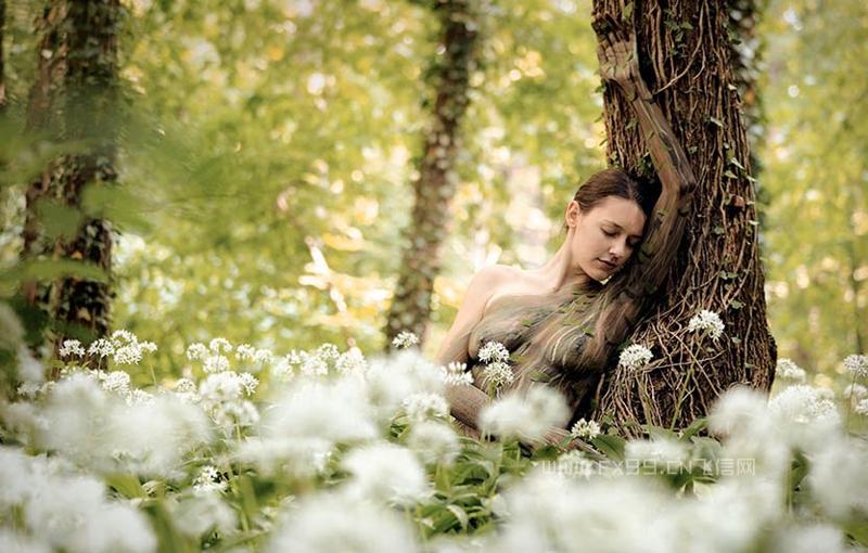 人体彩绘和自然环境的完美融合——59幅图里都隐藏着一位美女,你能把他们都找出来吗?