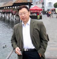 """《咬文嚼字》创办人郝铭鉴去世,多年与读者并肩""""捍卫语言的纯洁"""""""